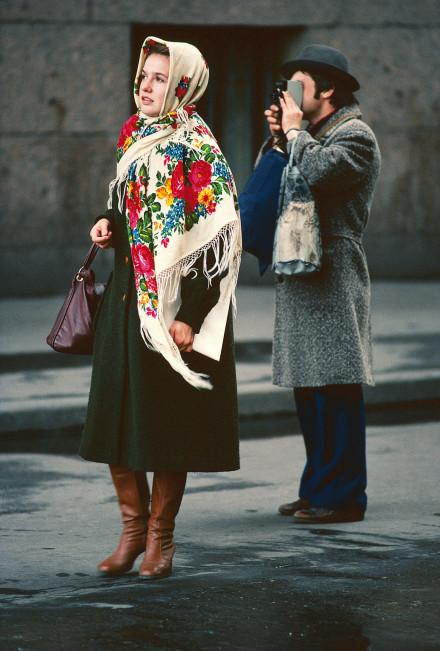 Ett ungt par på besök i Leningrad, Sovjet 1980